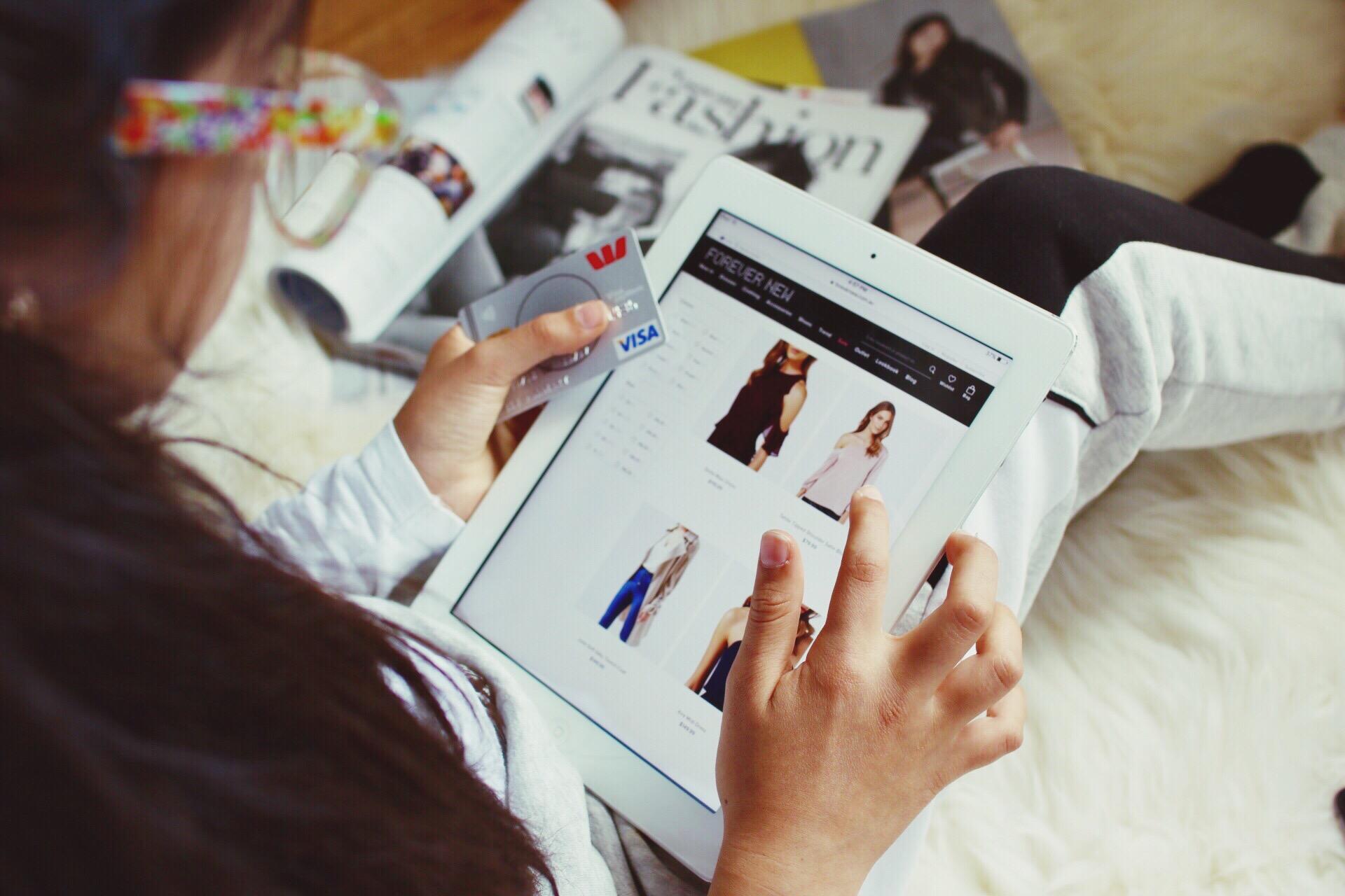 online-shopping_t20_RwraAN